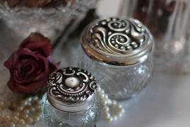 glass-jars-354166_1280